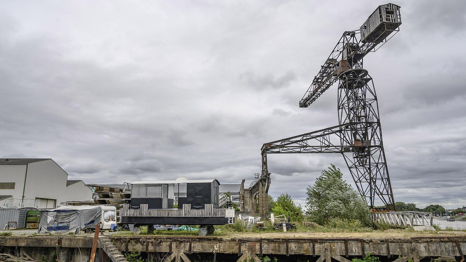 Der Hafenkran von Chantenay soll restauriert werden. Foto: Hilke Maunder