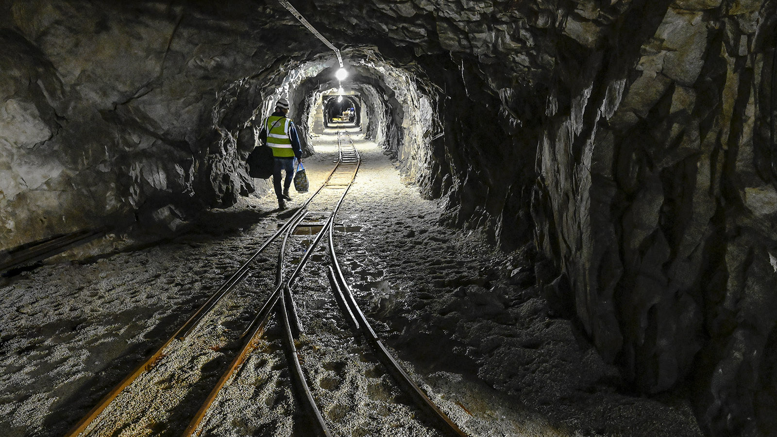 Einmal im Monat fährt Le Petit Train d'Artouste auf diesen Schienen in den Berg. Foto: Hilke Maunder