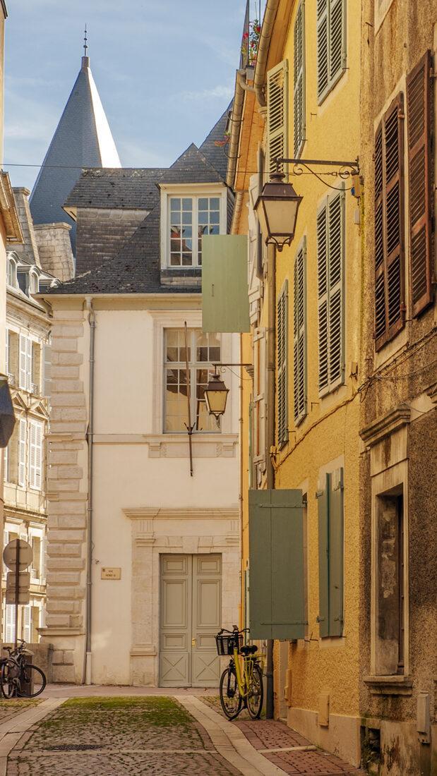 In der Altstadt von Pau. Foto: Hilke Maunder