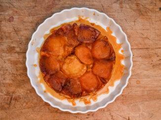 Tarte Tatin - frisch aus dem Ofen am besten! Foto: Hilke Maunder