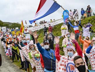 Die Freude der Fans bei der Tour de France. Foto: Hilke Maunder
