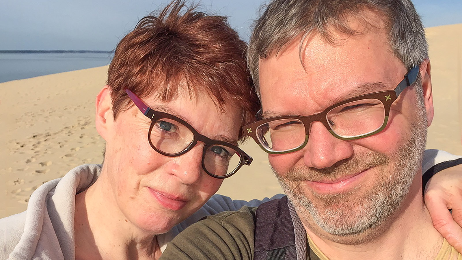 Mit meinem Mann Dani an der Düne von Pilat. Foto: Kerstin Gorges