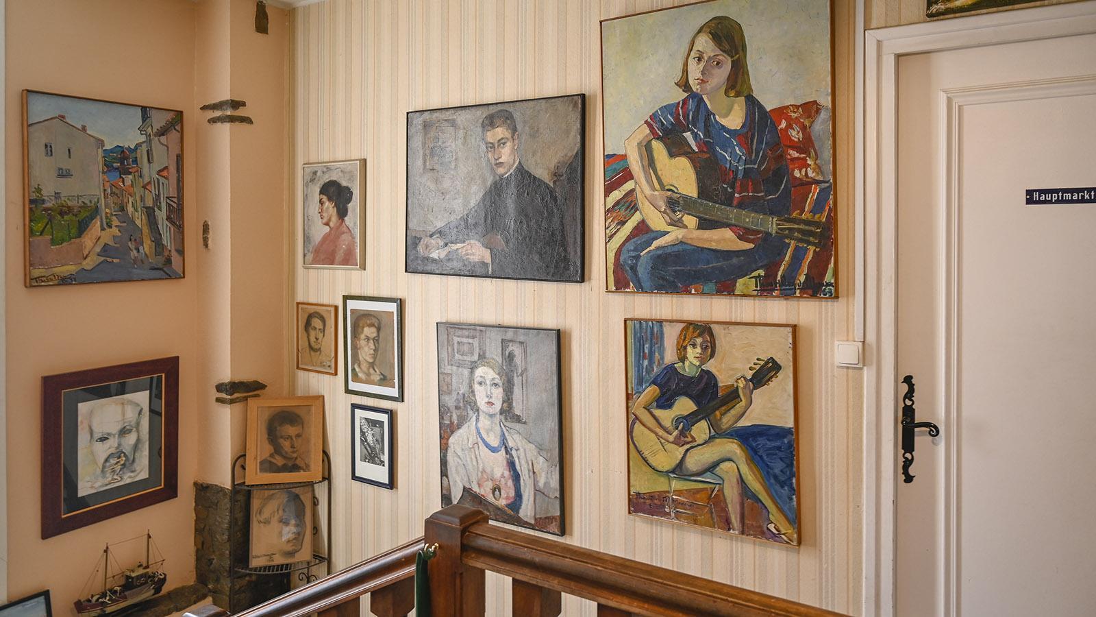F_Agde_Madeleine Thoubillon de Moncroc. Gemälde im Treppenhaus. Foto: Hilke Maunder