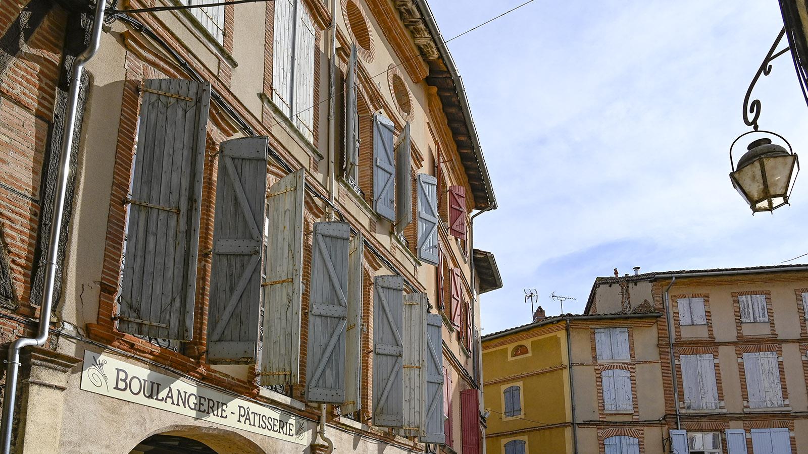 Gaillac: Die Fassaden der Rue Portal. Foto: Hilke Maunder