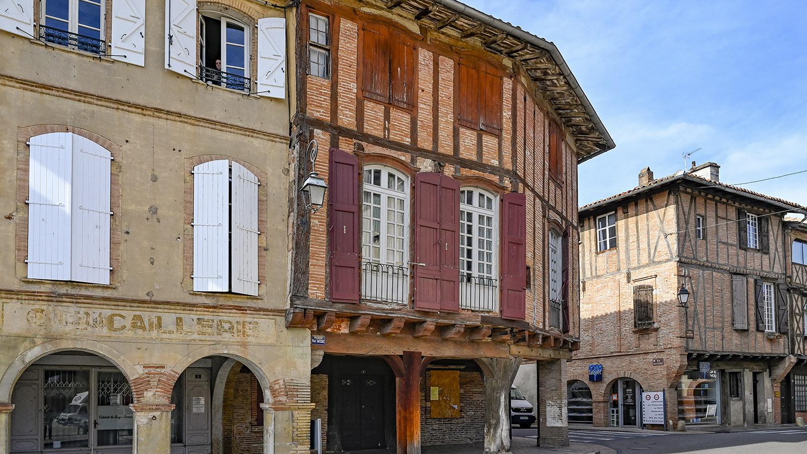 Altes Fachwerk prägt das Herz der Bastide Lisle-sur- Tarn. Sie war einst die einzige Bastide des Südwestens mit einem Hafen! Foto: Hilke Maunder
