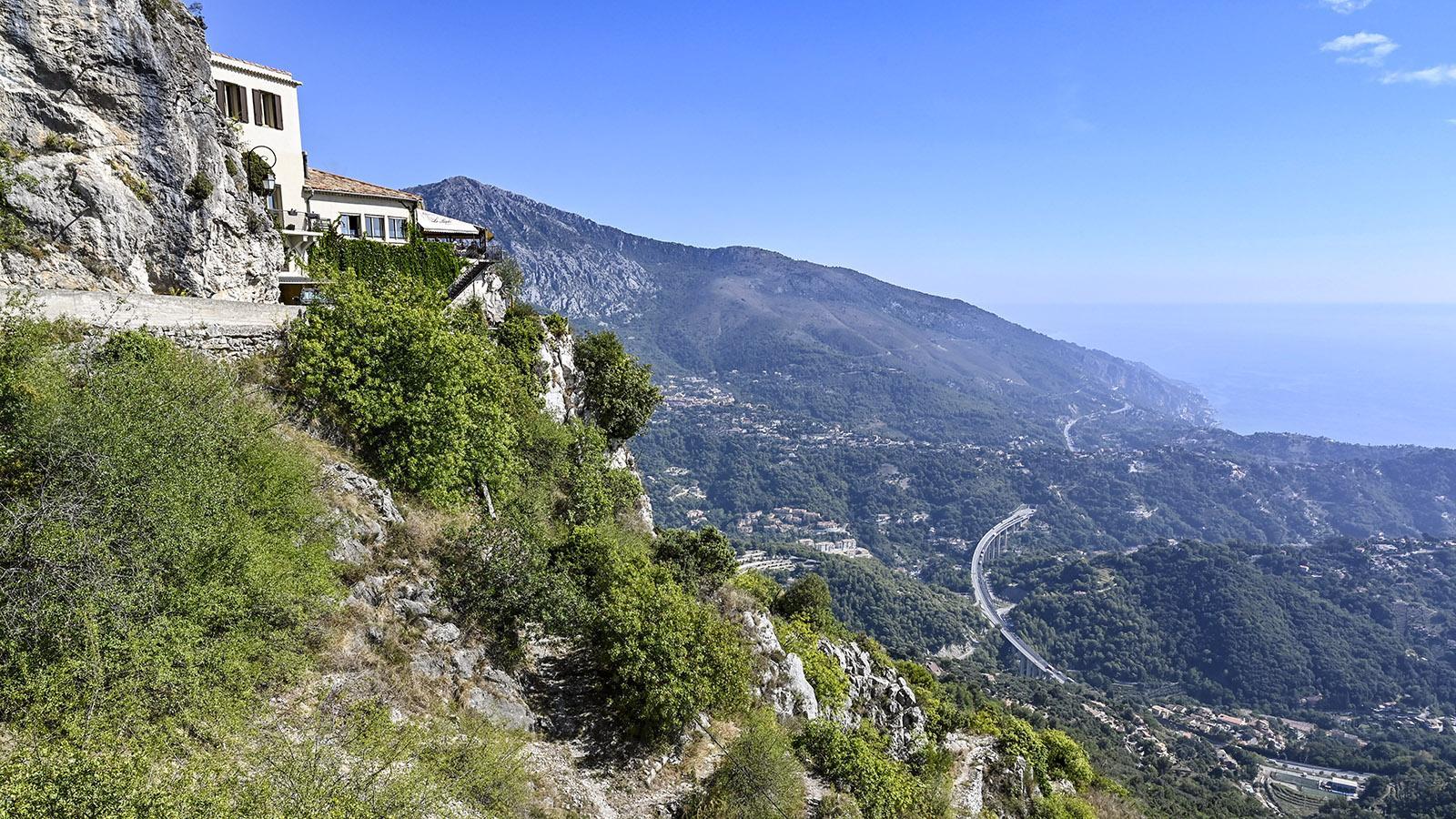 Der Blick von Saint-Agnès auf die Mittelmeerküste. Foto: Hilke Maunder