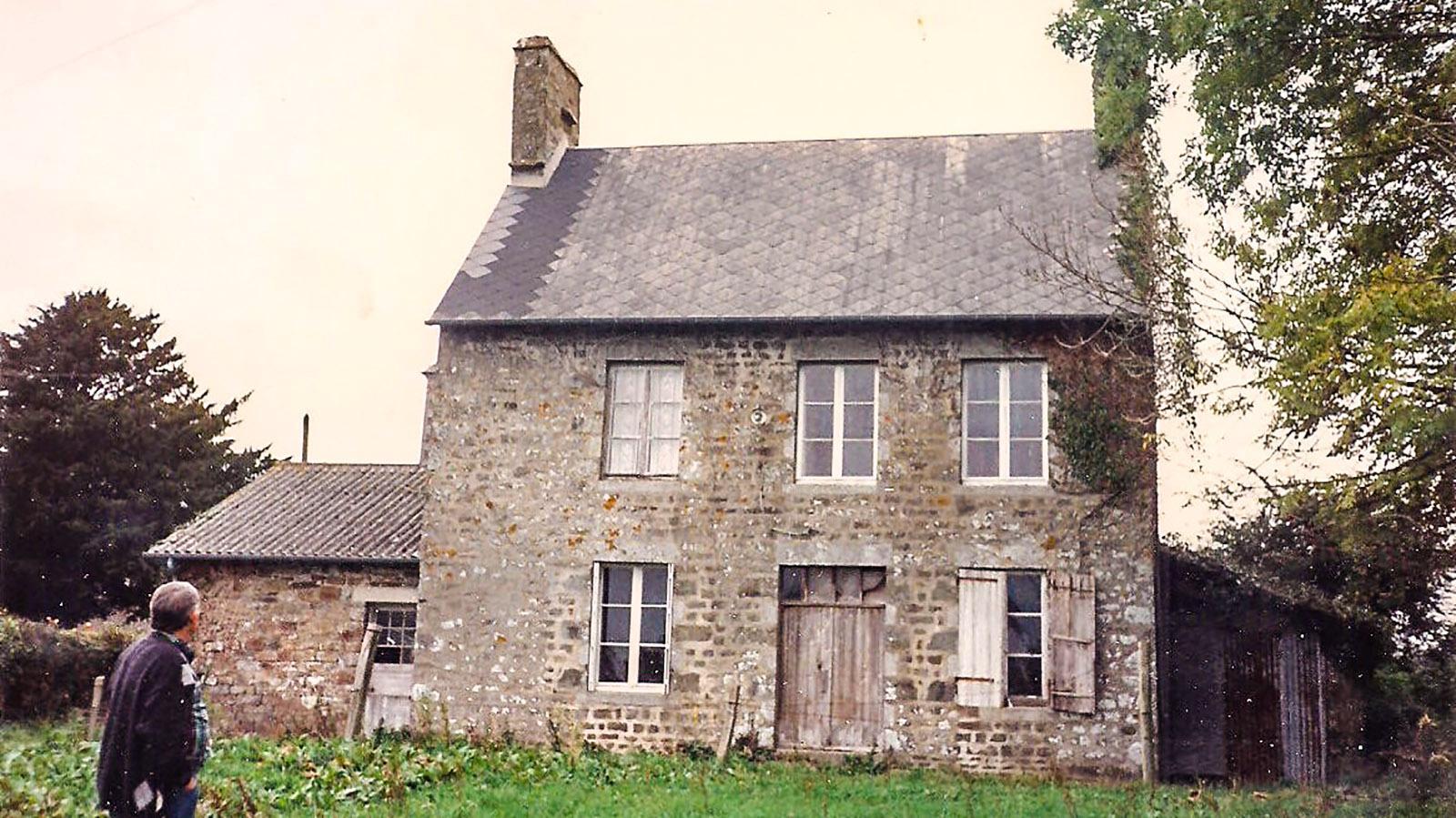 Das graue Haus - unser Pfarrhaus in der Normandie. Foto: Jutta Fassbender