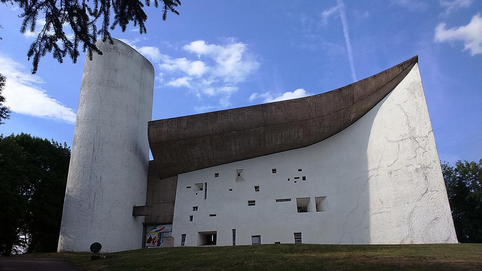Die Corbusier-Kirche in Ronchamp. Foto: Gerda Schoch