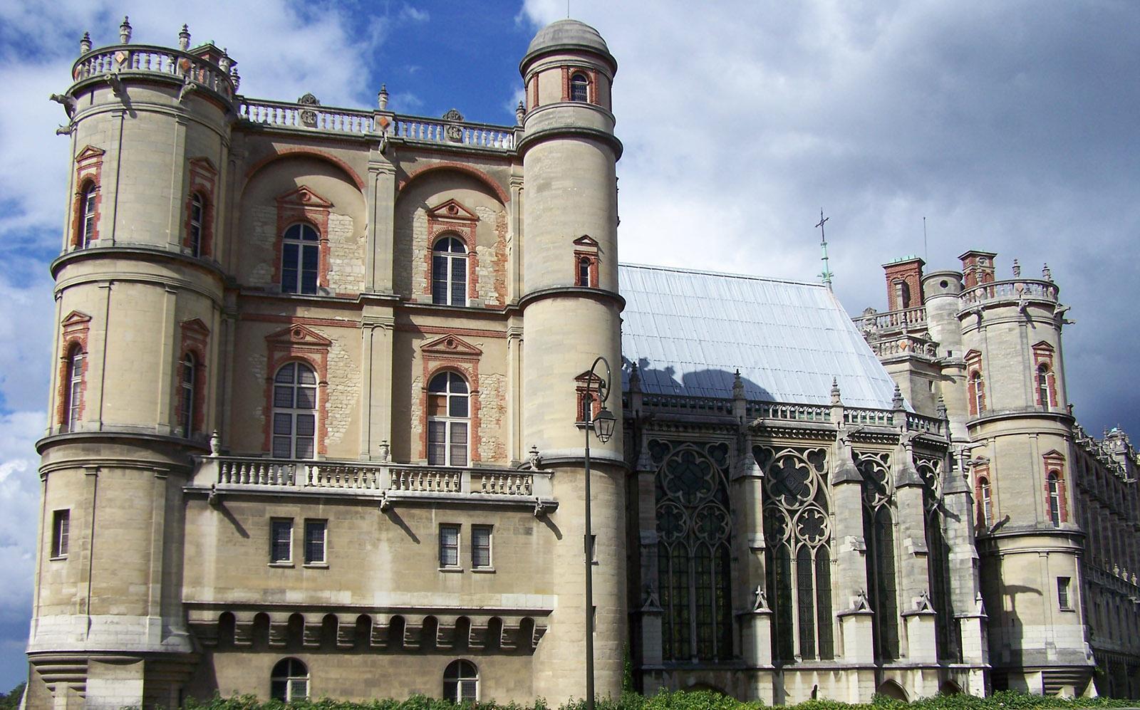 Das Schloss in Saint-Germain-en-Laye. Hier wurde Ludwig XIV geboren, am 5.September 1638. Deshalb birgt das Wappen von St-Germain eine Wiege. Foto: Renate Dietzel