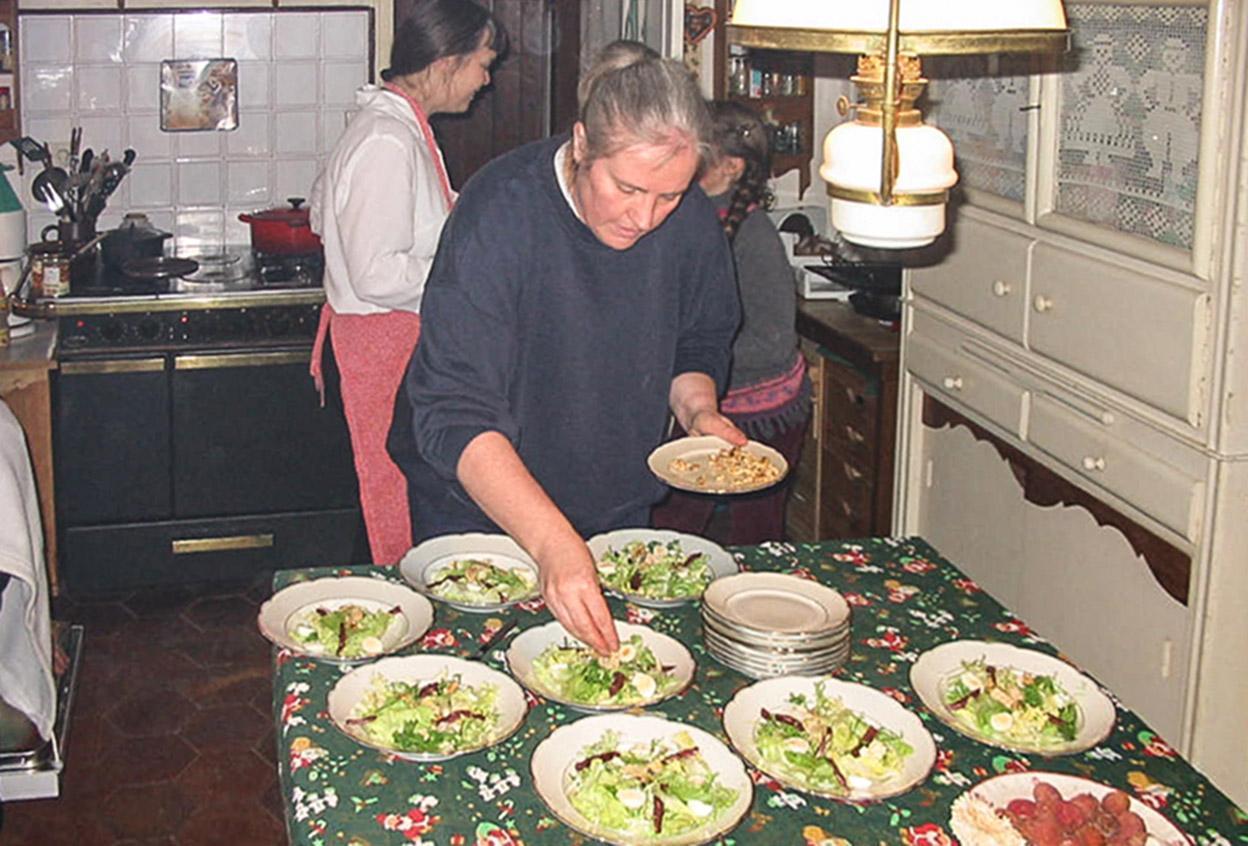 Beim Zubereiten eines Menüs für meine Gäste. Foto: privat