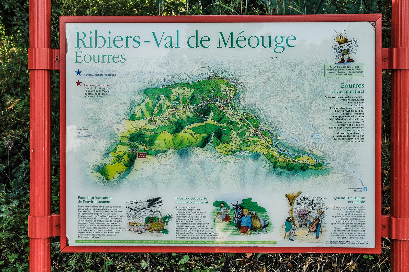 Ribiers ist das südlichste Dorf der Hautes-Alpes. Die Méouge entspringt in der Drôme, Bei Chateauneuf-de-Chabre hat sie auf fast sieben Kilometer Länge natürliche Schluchten gebildet. Foto: Anke Feja