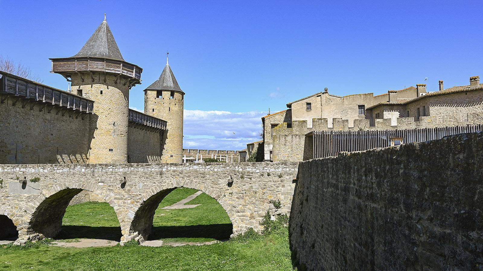 Der Zugang zum Château Vicomtal. Foto: Hilke Maunder