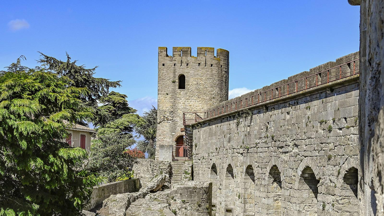 Der erste Wehrturm nördlich der Porte Narbonnaise. Foto: Hilke Maunder