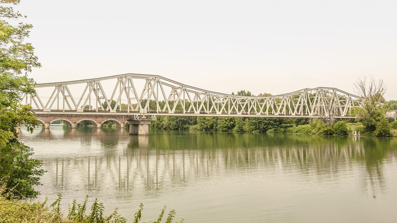 Garonne: Pont de Cacors bei Moissac. Foto: Hilke Maunder