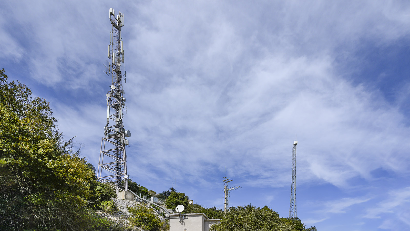 Die Mobilfunkantennen auf der Chaîne de Lesquerde. Foto: Hilke Maunder