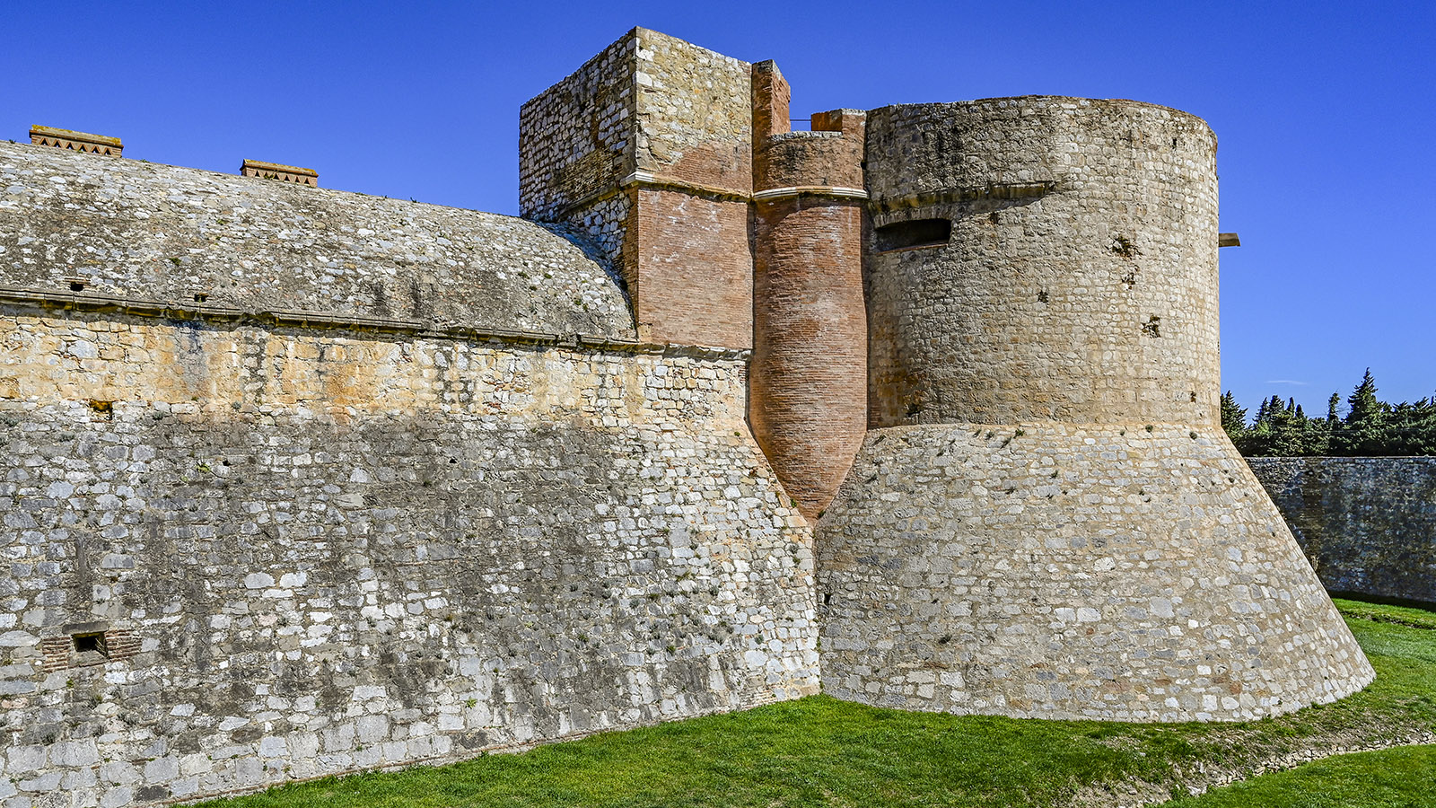 Château de Salses. Foto: Hilke Maunder