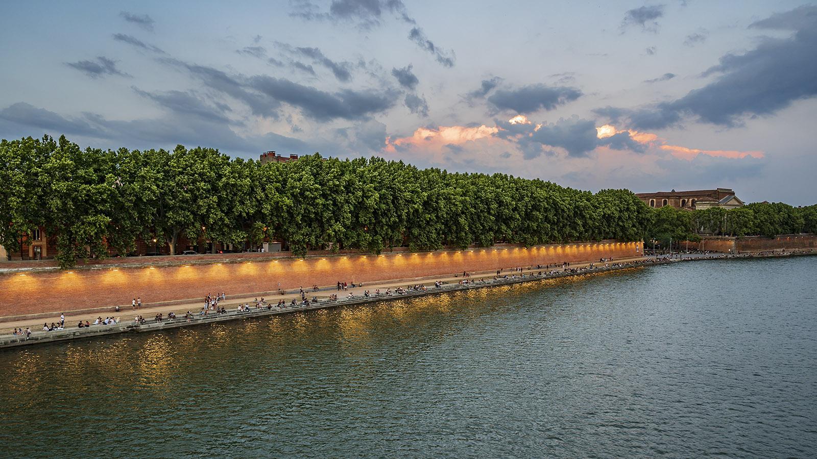 Die Kais der Garonne am frühen Abend. Foto: Hilke Maunder