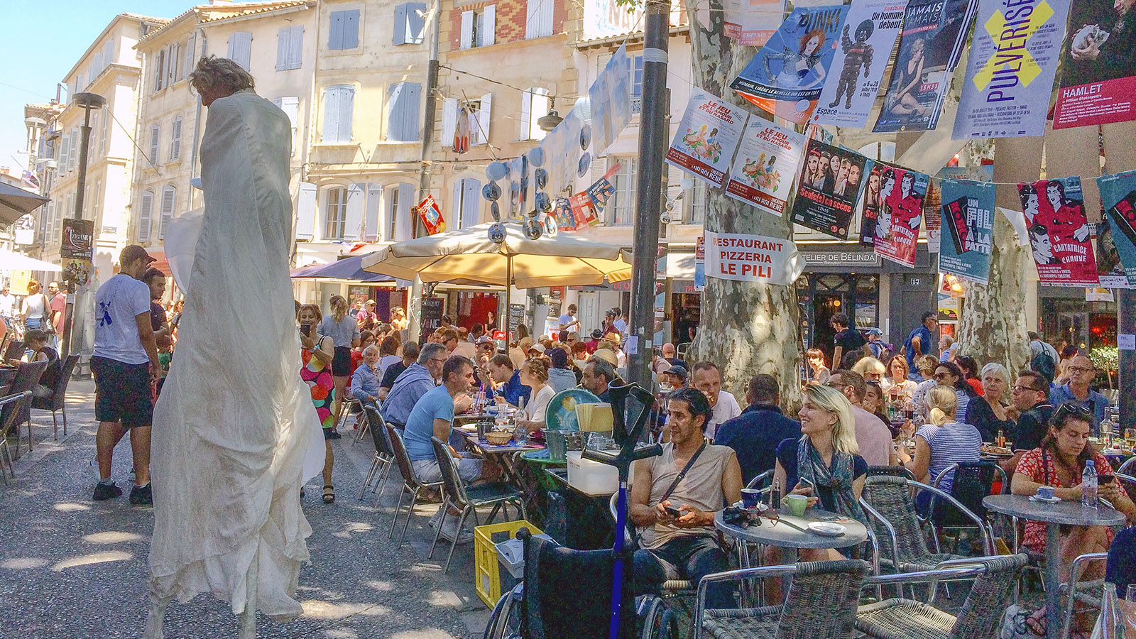 In Avignon währen des Theaterfestivals. Foto: Sarah Belhareth