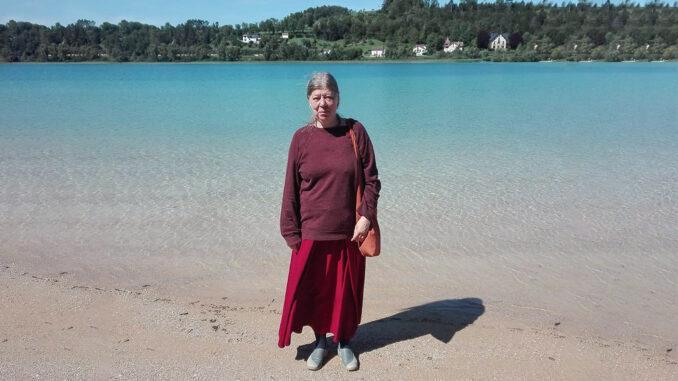 Am See in Clairvaux-les-Lacs im Jura. Foto: Brigitte Schmidt