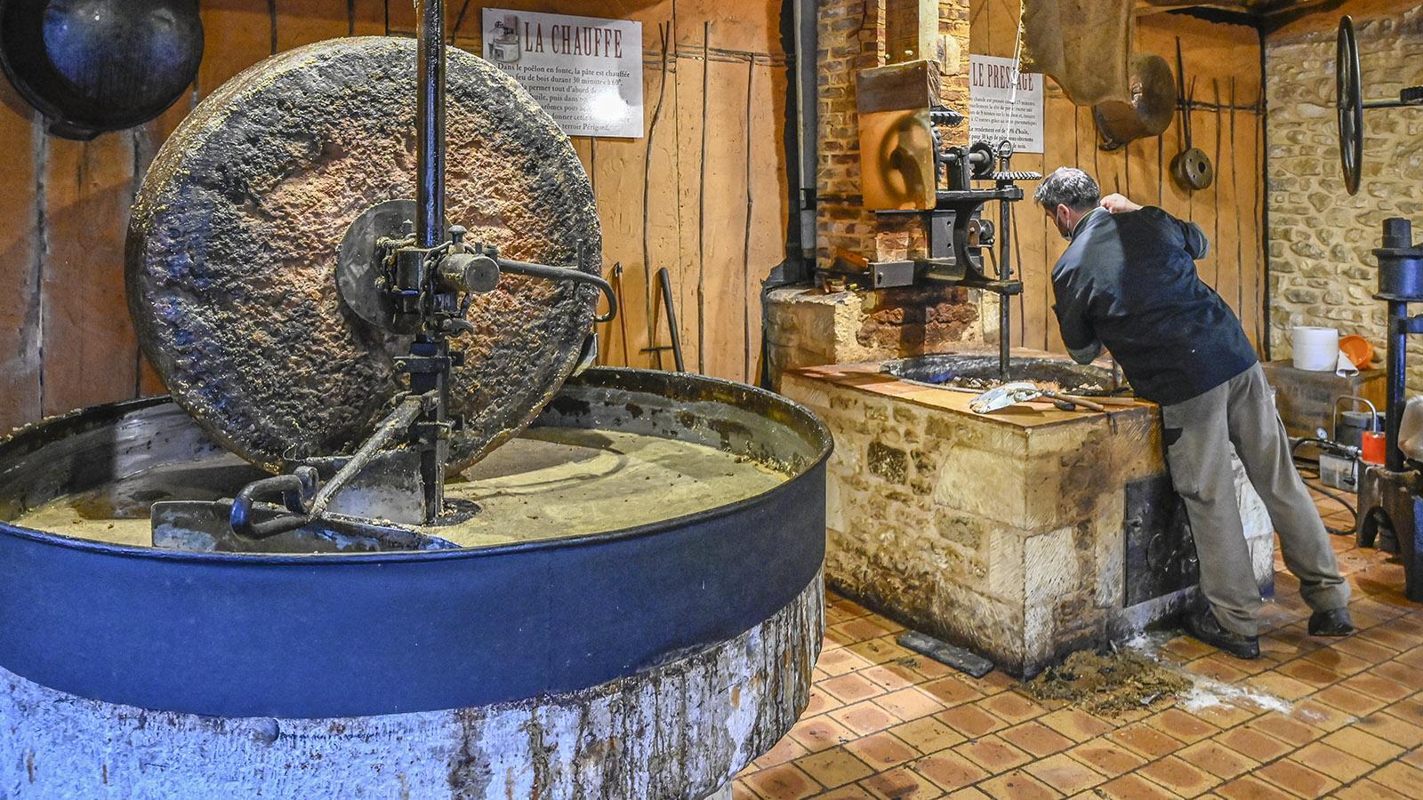Die nostalgische Nussmühle der Domaine de Vielcroze. Foto: Hilke Maunder