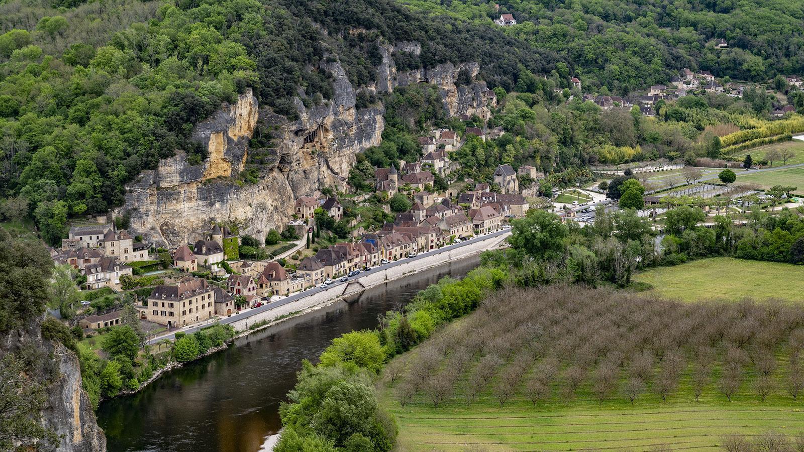 Jardins de Marqueyssac: Blick hinab auf La Rogue-Gageac. Foto: Hilke Maunder
