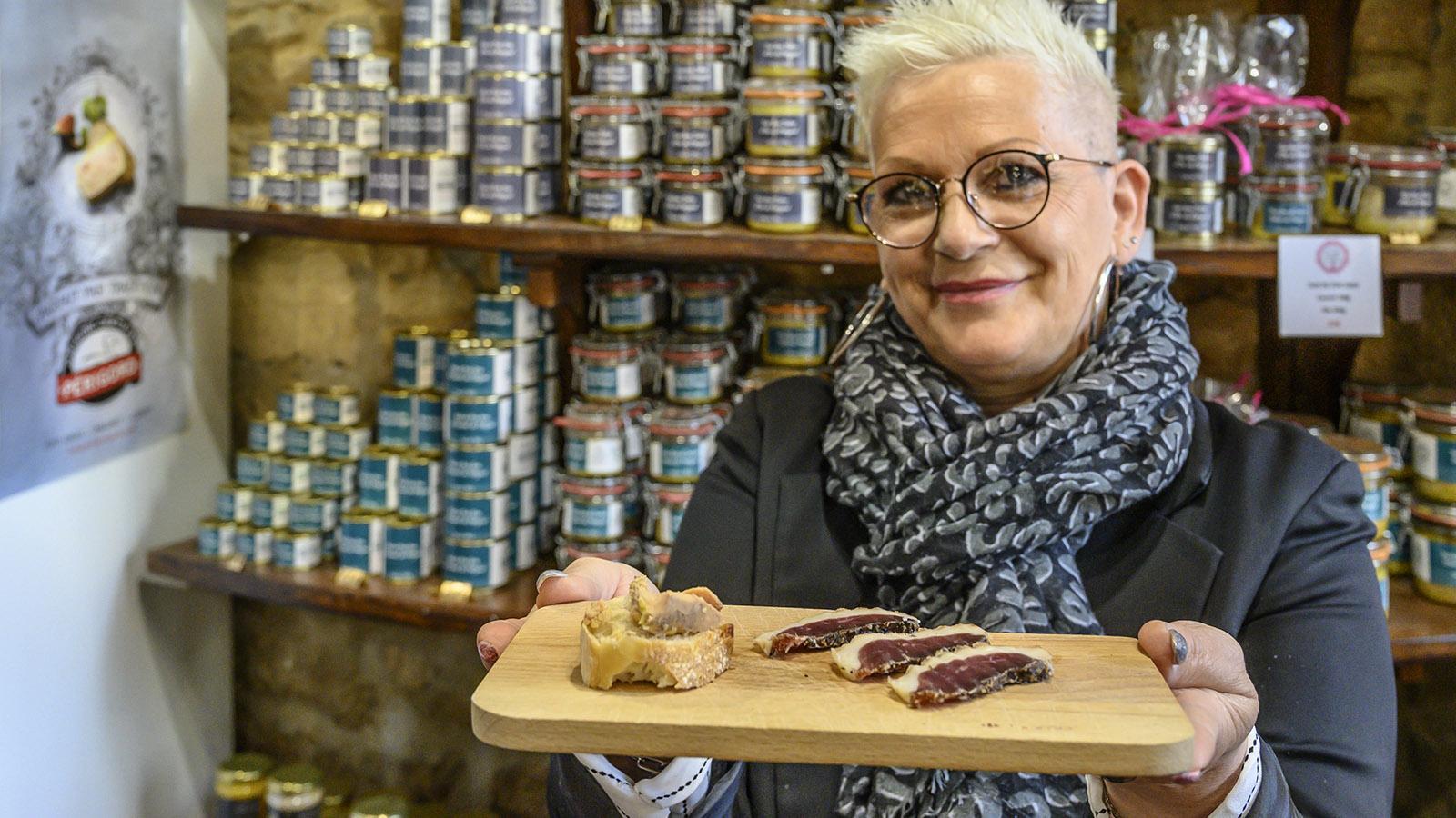 Sarlat: Magret de canard oder foie gras, was möchten Se kosten, fragt Isabelle. Foto: Hilke Maunder