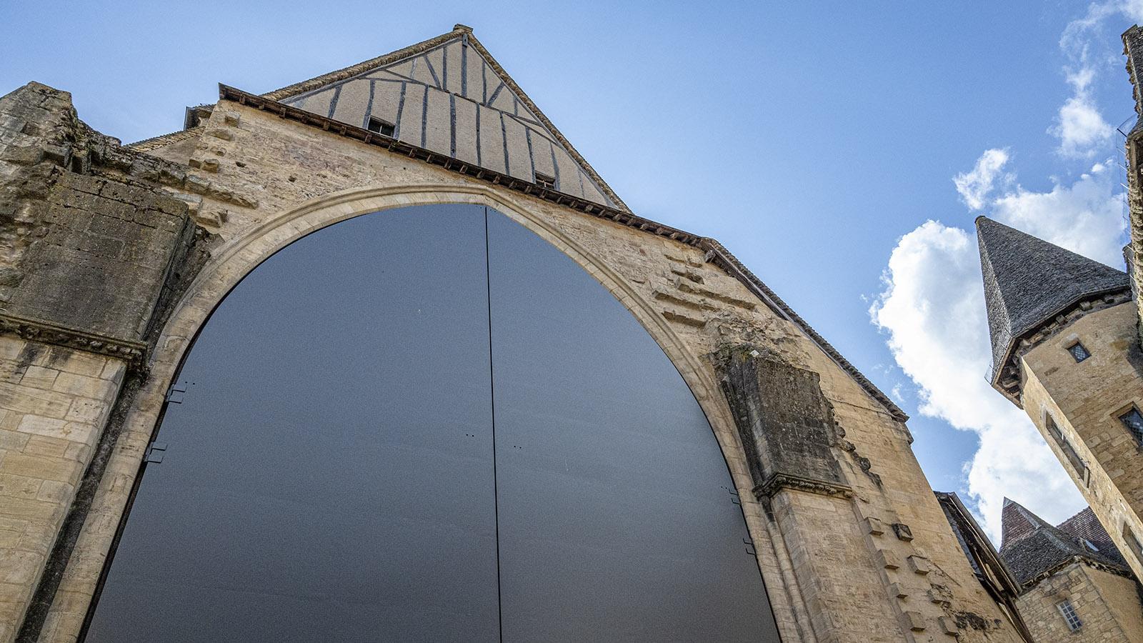 Sarlat, Kirchentor von Jean Nouvel. Foto: Hike Maunder