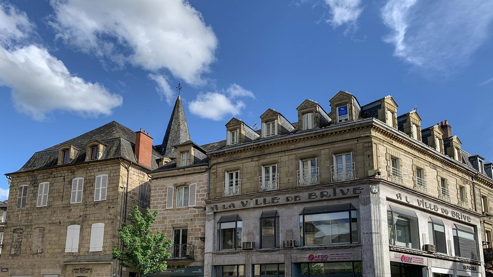 Alte Fassaden an der Place Charles de Gaulle. Foto: Hilke Maunder