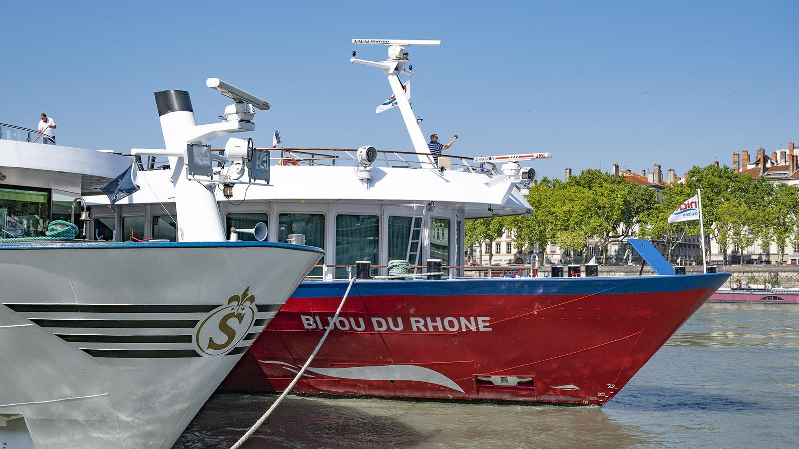 MS Bijou du Rhône in Lyon. Bei Andrang liegen die Schiffe als Päckchen am Kai. Foto: Hilke Maunder