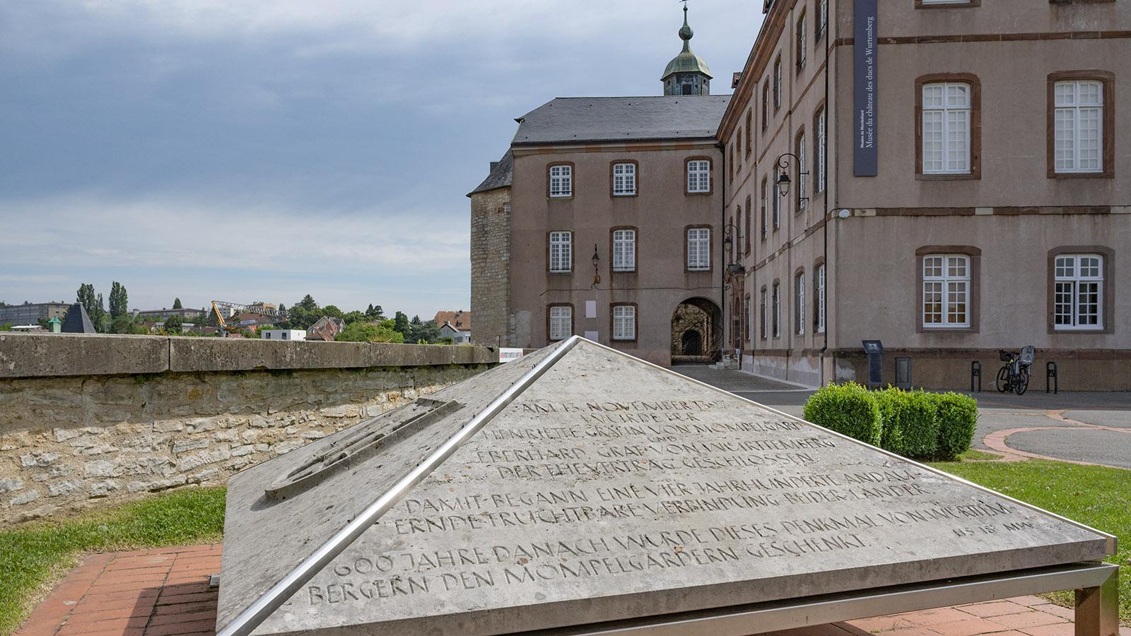 Dieses Denkmal erinnert an die engen Verbindungen zu Stuttgart und Württemberg. Foto: Hilke Maunder