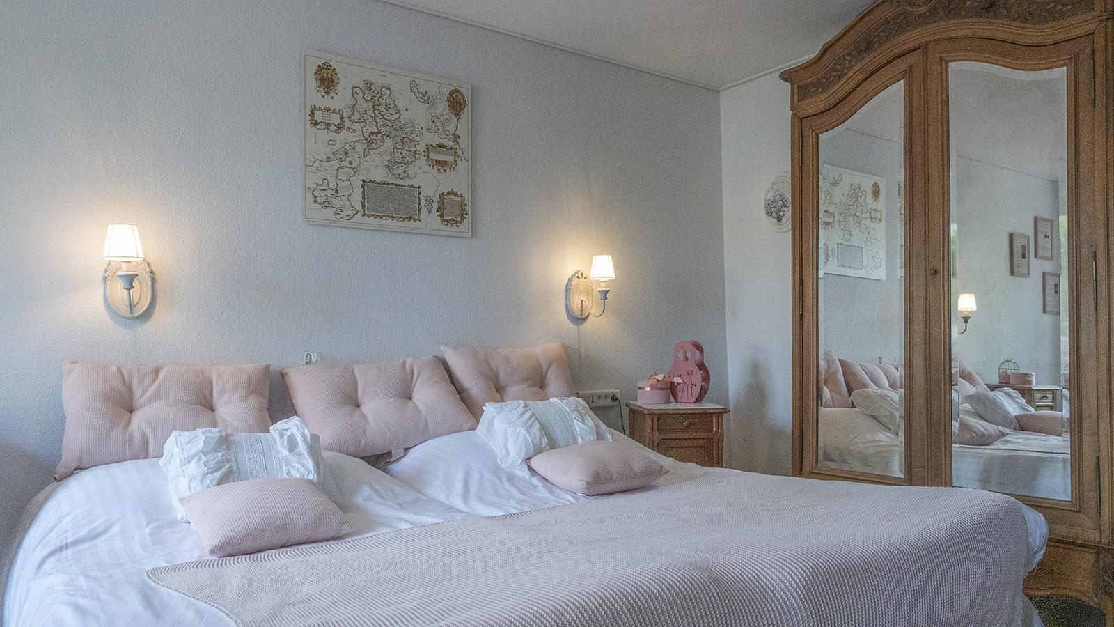 Ein typisches Doppelzimmer zur Hofseite. Foto: Hilke Maunder