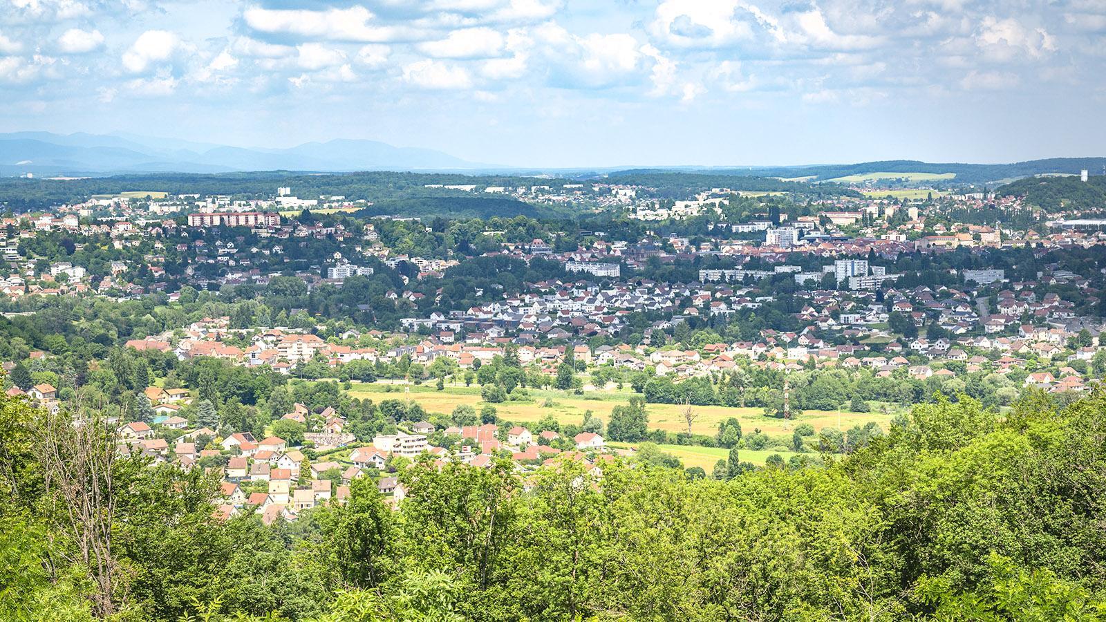 Der Blick vom Mont-Bart auf Montbéliard. Foto: Hilke Maunder