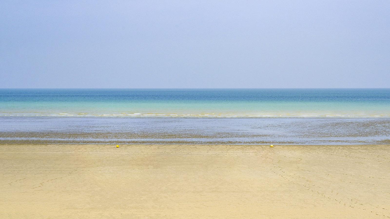 Saint-Aubin besitzt den einzigen richtigen Sandstrand der Alabasterküste. Bei Ebbe treffen sich dort die Strandsegler! Foto: Hilke Maunder