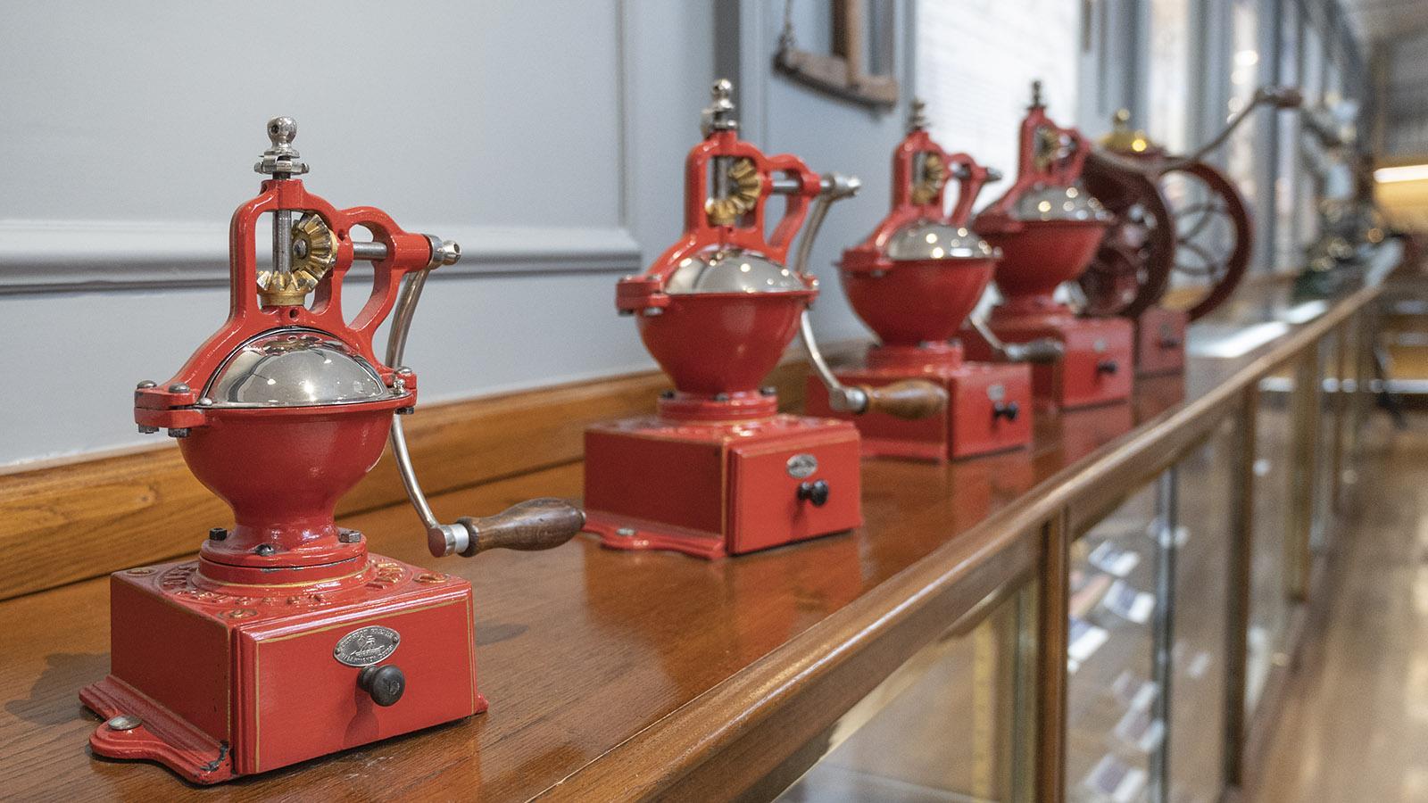 Die Kaffeemühlen von Peugeot. Foto: Hilke Maunder