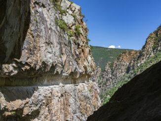 Atemberaubend: der Felsweg der Carança-Schlucht. Foto: Hilke Maunder