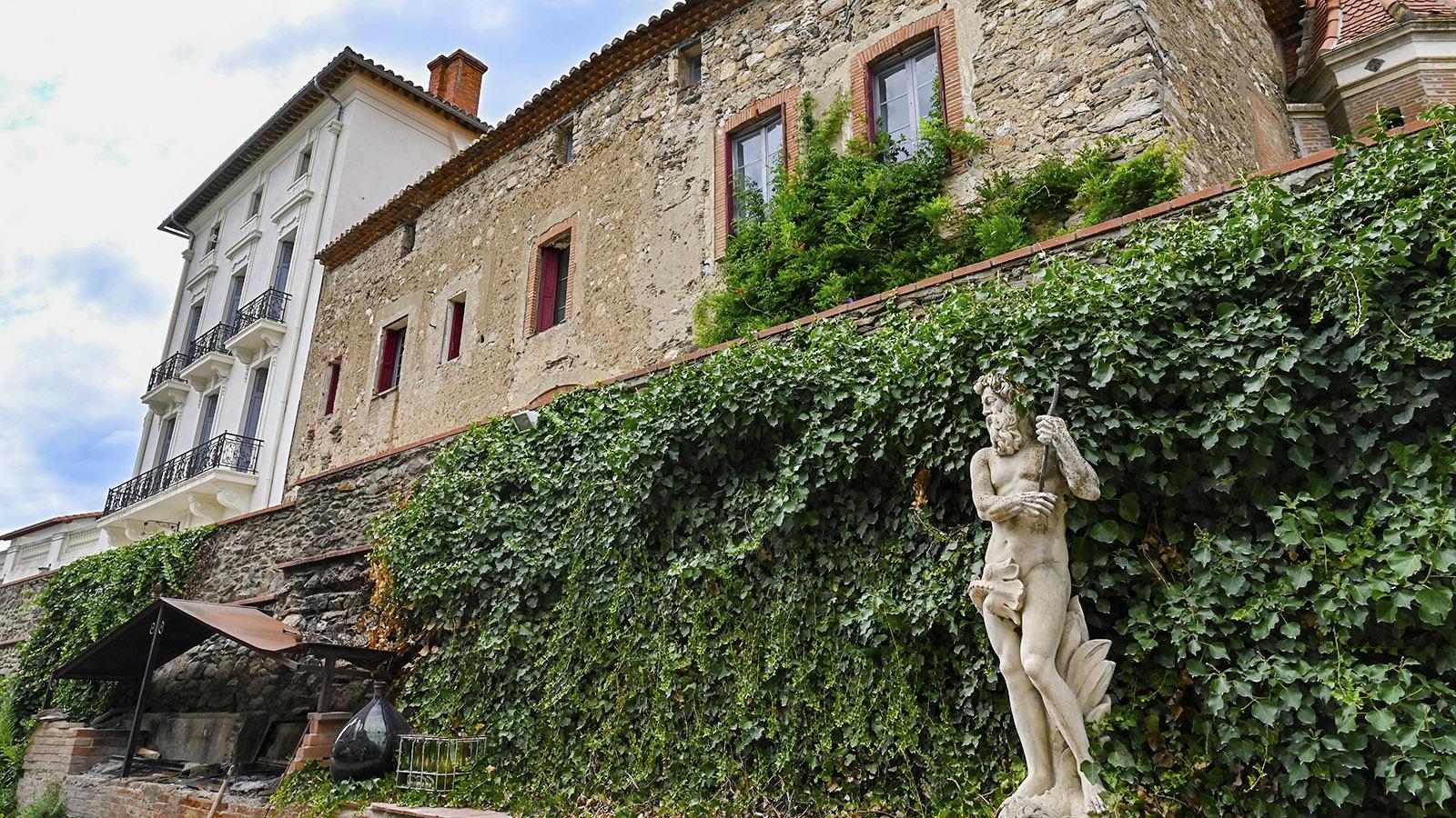 Architektonische Kontraste: das Château de Caladroy. Foto: Hilke Maunder