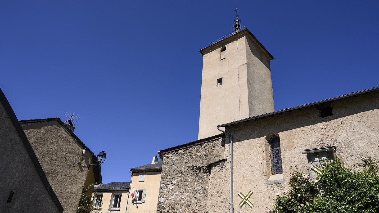 Rathaus und Kirche von Counozouls. Foto: Hilke Maunder