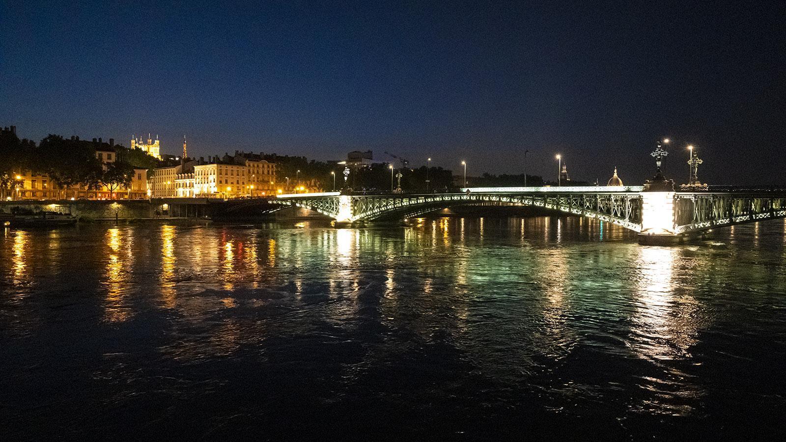 Die Rhône in Lyon bei Nacht. Foto: Hilke Maunder