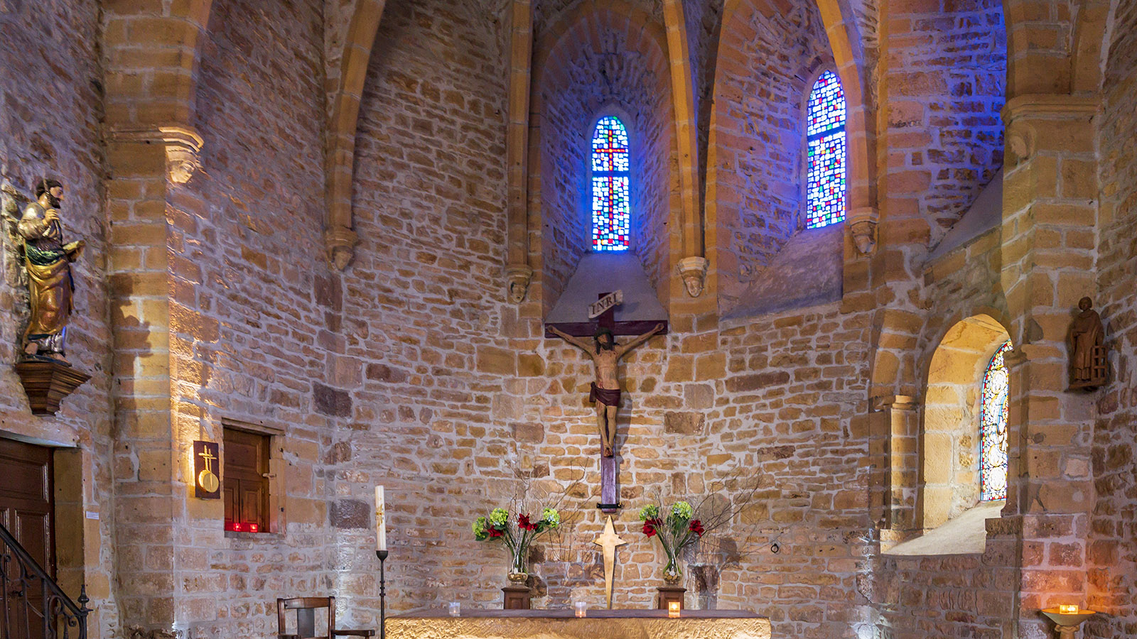 Das Kirchenschiff der églse Saint-Mathieu. Foto: Hilke Maunder