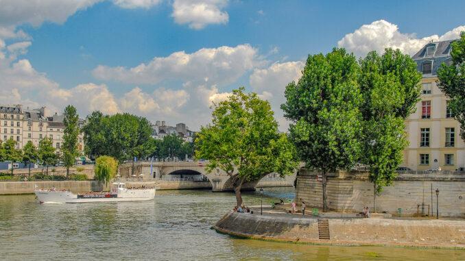 Die Seine in Paris bei der Île Saint-Louis (r.). Foto: Hilke Maunder