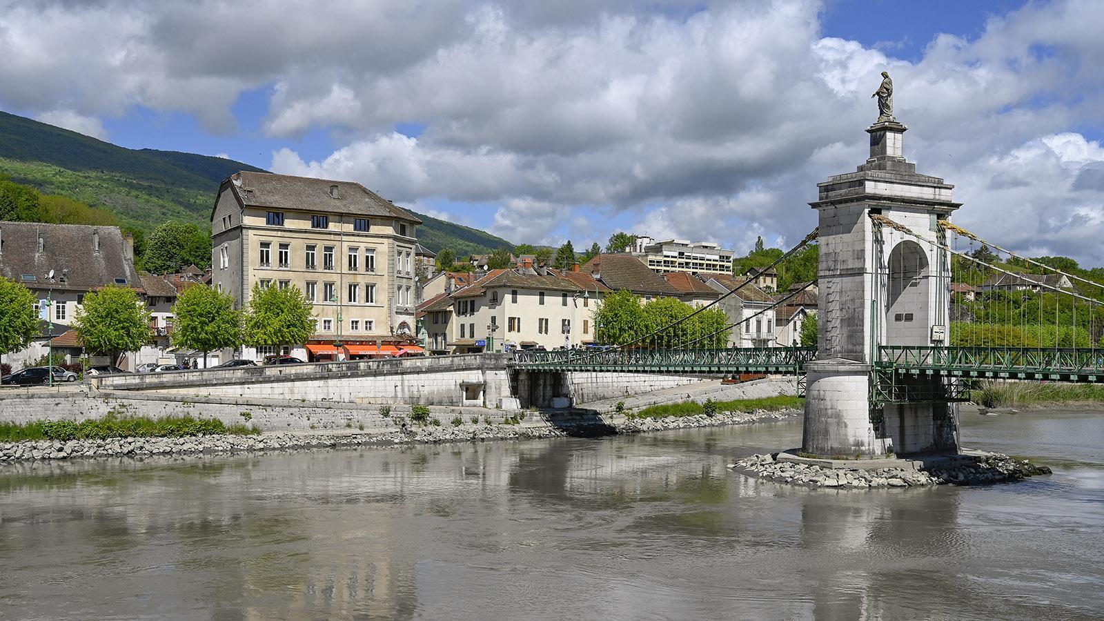 Die historische Rhônebrücke von Seyssel. Foto: Hilke Maunder