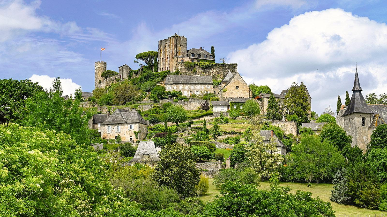 Die Burg Die Burg von Turenne und ihr Dorf. Foto: Hilke Maunder ihr Dorf. Foto: Hilke Maunder
