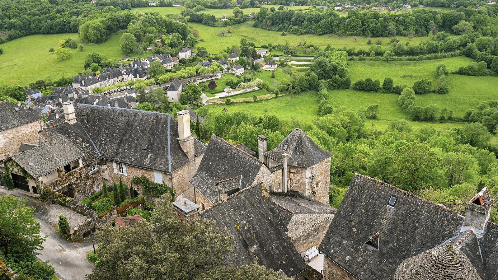 Der Ausblick aufs Dorf von der Burgmauer. Foto: Hilke Maunder