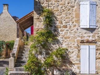Domme gehört zu den schönsten Dörfern Frankreichs - und ist im Sommer entsprechend gut besucht. Foto: Hilke Maunder