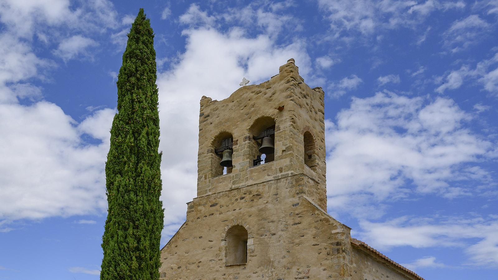 Die <em>Église St-Saturnin (Església de Sant Saturní)</em> von Montesquieu-des-Albères. Foto: Hilke Maunder