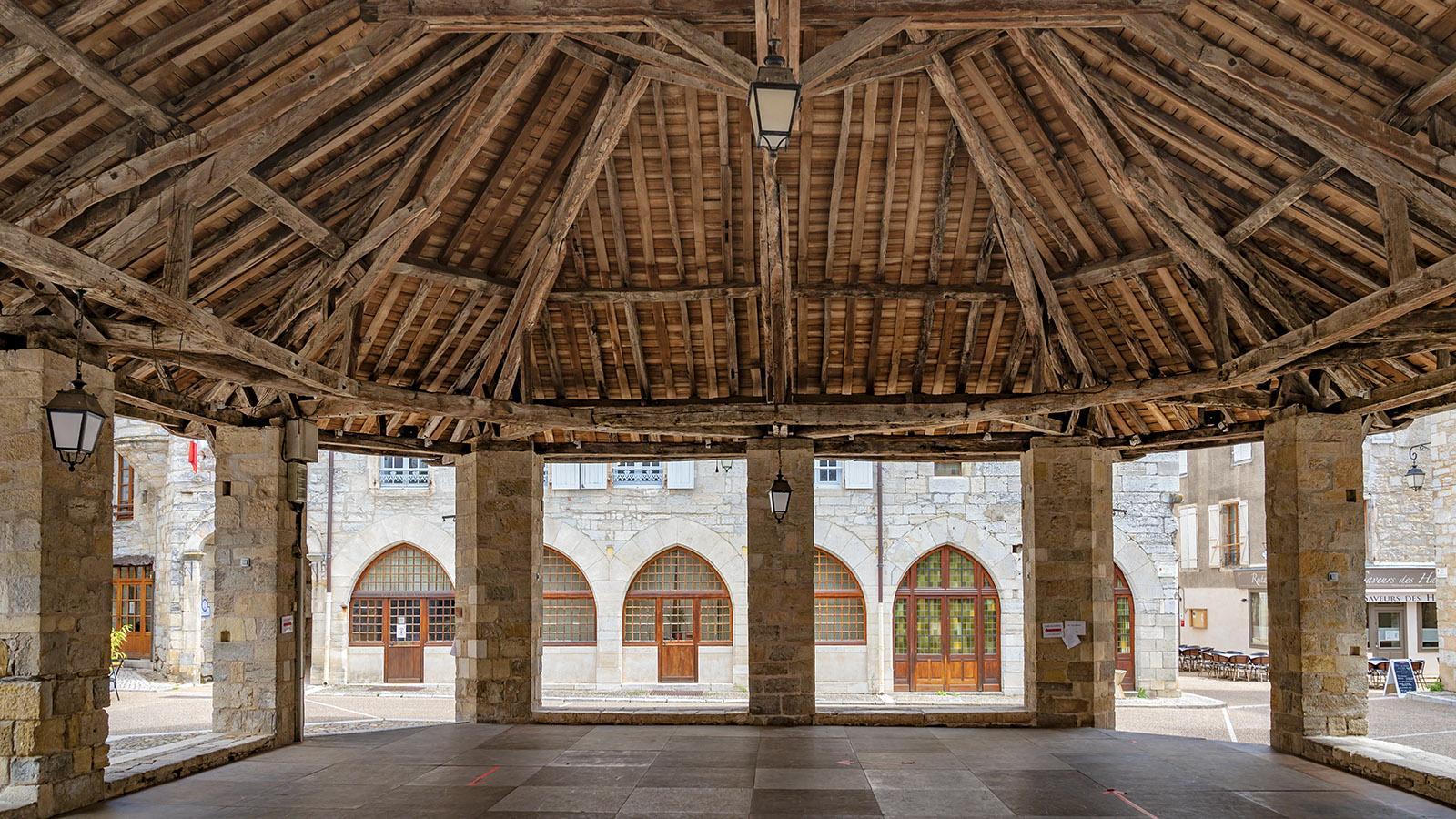 Das eindrucksvolle Holzdach der Markthalle. Foto: Hilke Maunder