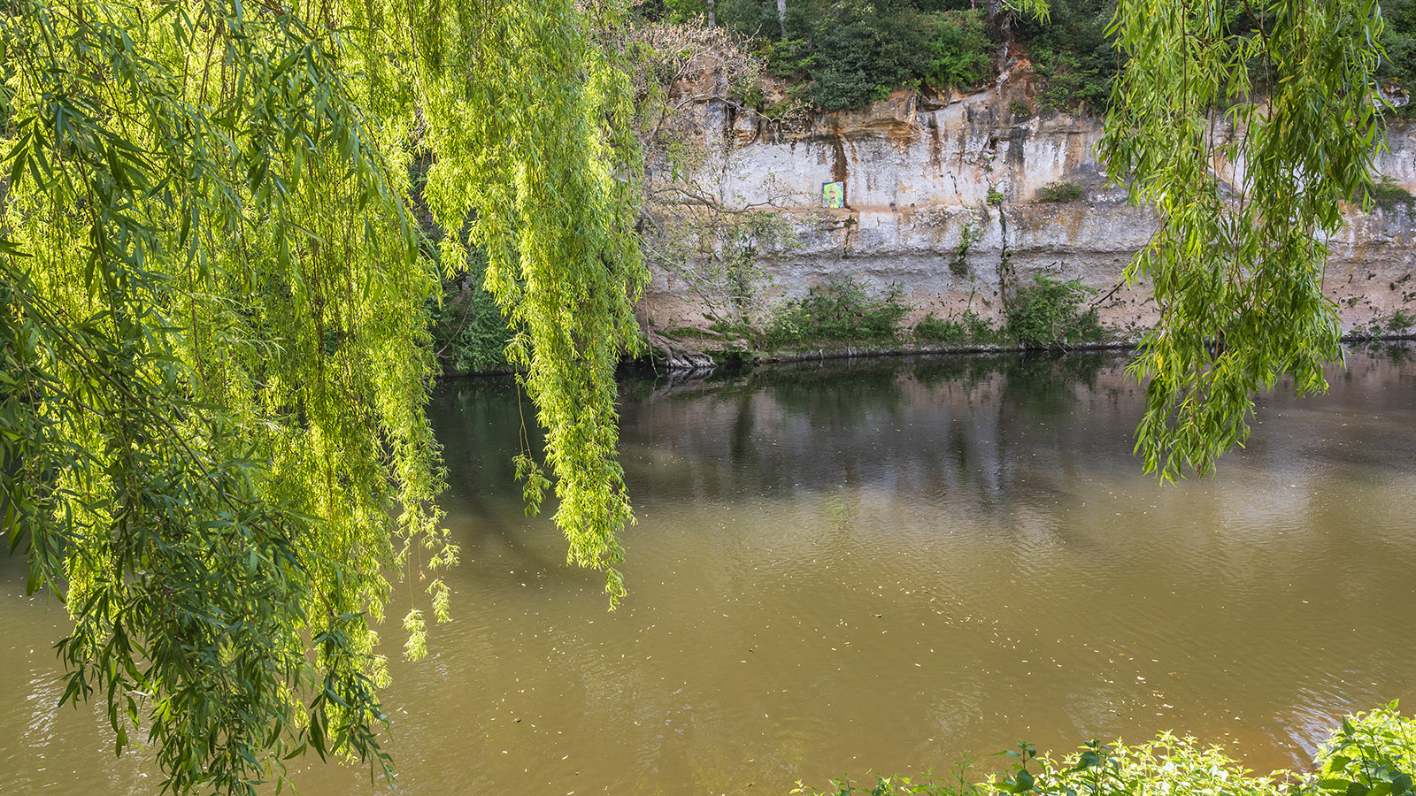 Am Ufer der Vézère. Foto: Hilke Maunder