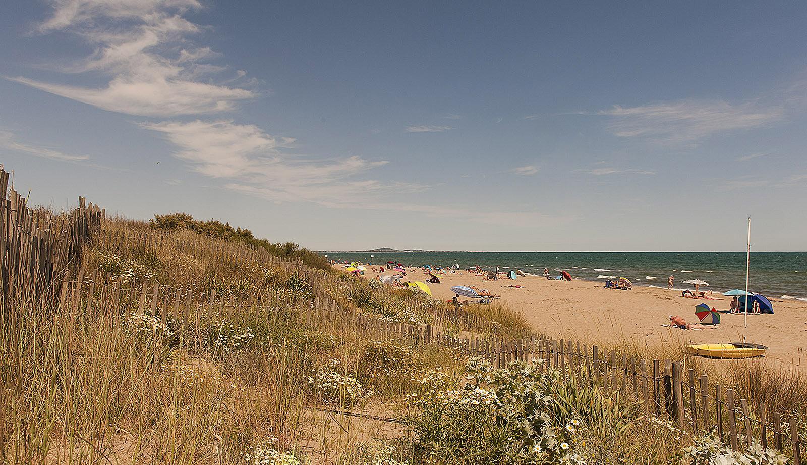 FKK in Frankreich: Der Strand von Sérignan Plage gehört zu den schönsten des Languedoc. Foto: Hilke Maunder