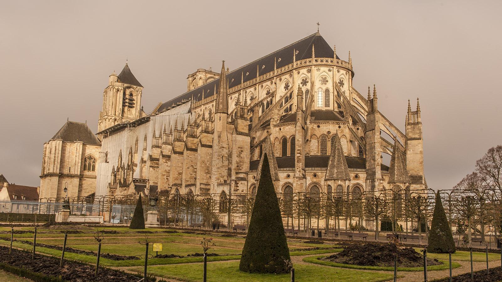 Meisterwerk der Hochgotik: die Kathedrale von Bourges im Berry. Foto: Hilke Maunder