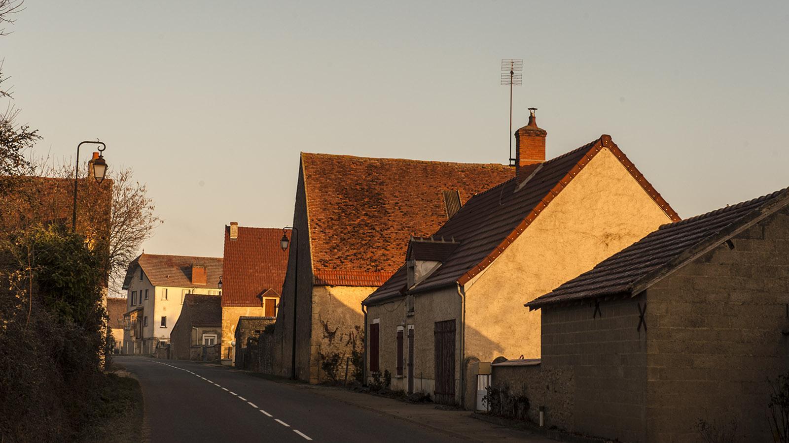 Unterwegs im Berry: typische Dorfstraße. Foto: Hilke Maunder